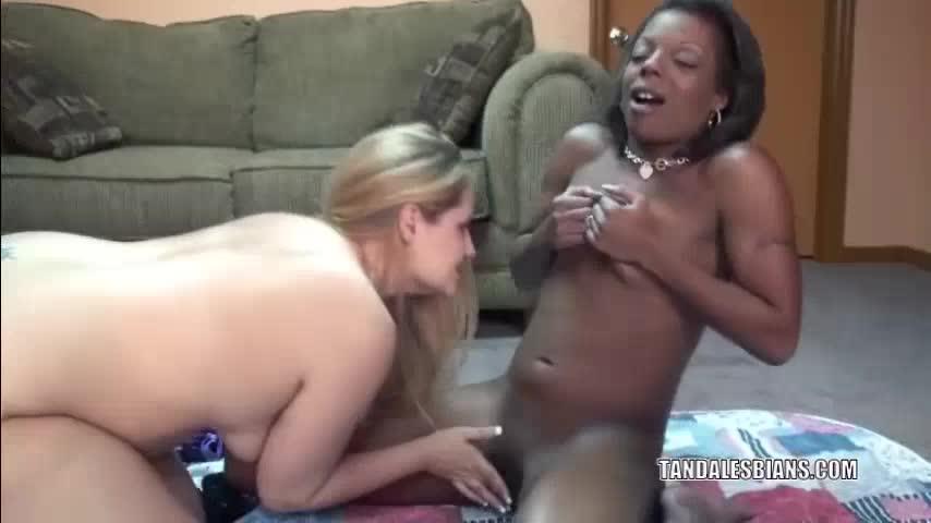 Free lesbian videos girls vs matures