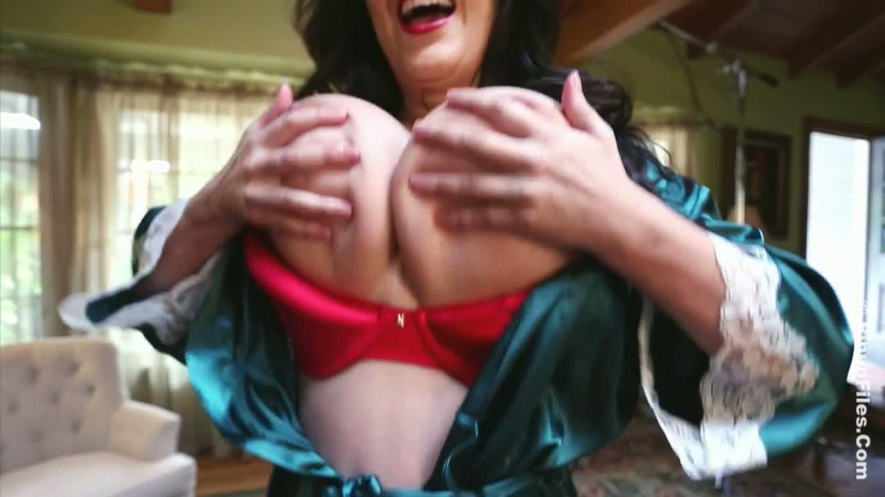 Antonella Kahtlo Porn antonella kahllo - caliente christmas 3
