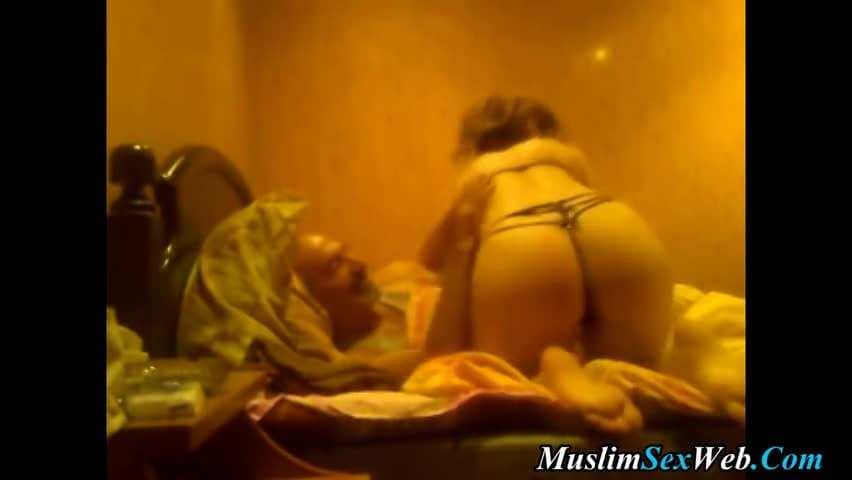 Old Man Fuck Blonde Girl