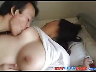 Bbw fucks small guy