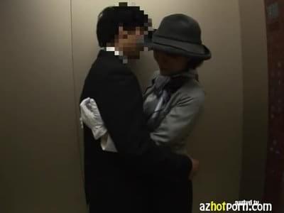 Секс в лифте азиаты