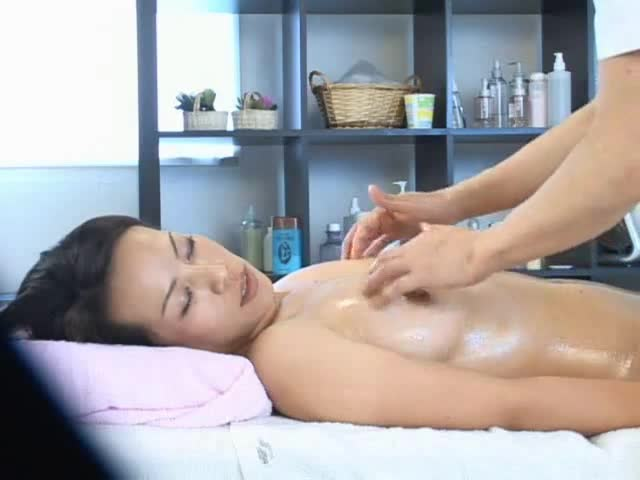 Black masseuse fucking japanese wife