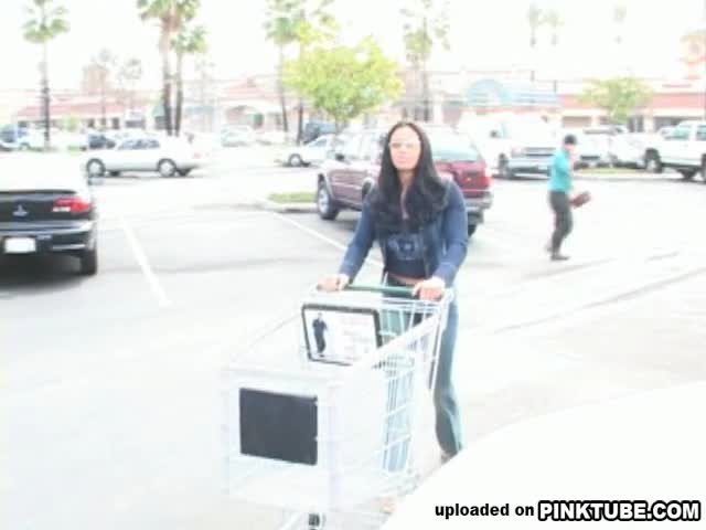 AnyPorn Banging At The Grocery Store