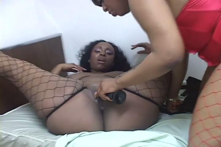 Bbw ebony toying and cums