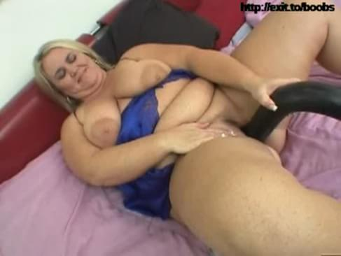 Bbw with huge toy