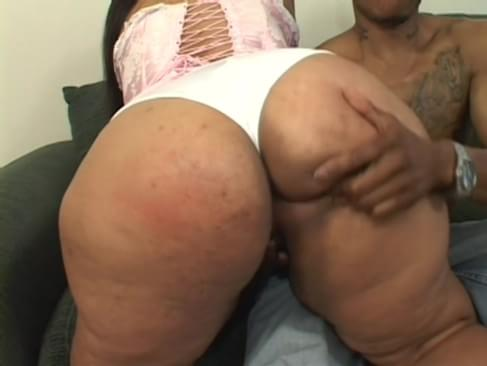 girl finger fucked under her skirt