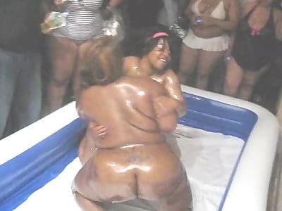 Bbw wrestling black