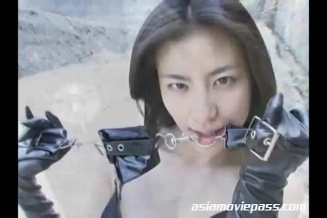 Busty shaved masterbating wives videos