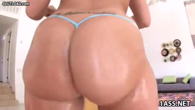 Kelly divine anal destroyed