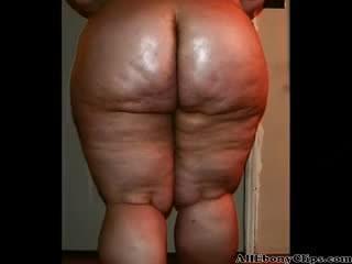 Big booty bbw getting ready for anal