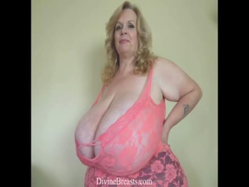Bbw big boobs bouncing