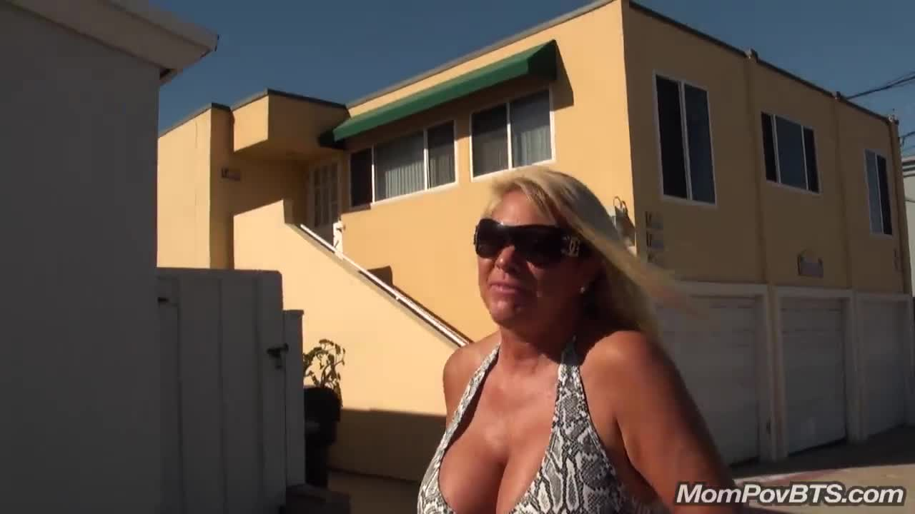 Opinion big tits milf flashes at beach me, please