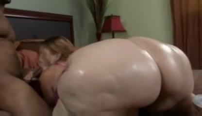 Biggest white ass ever
