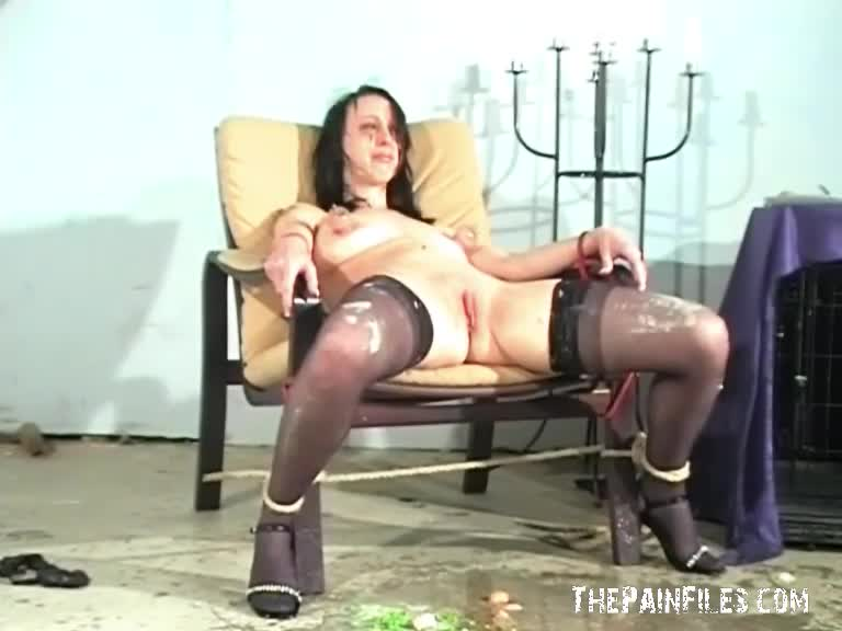 Cunt humiliation degraded see suis amoureux
