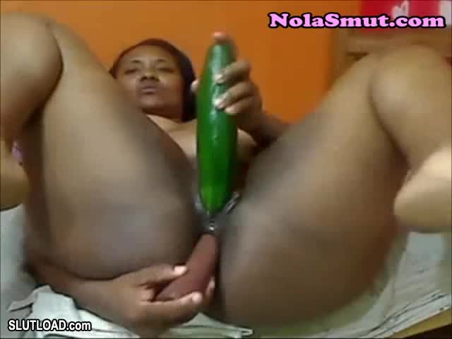 Amateur Ebony Nipple Play