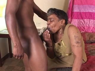 Black granny Porno
