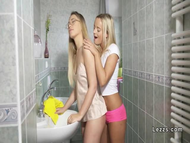 Beverly d angelo masturbating