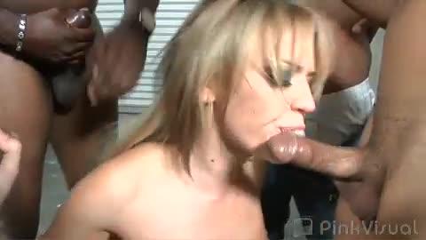 Hollys schwarzer Gangbang xxx