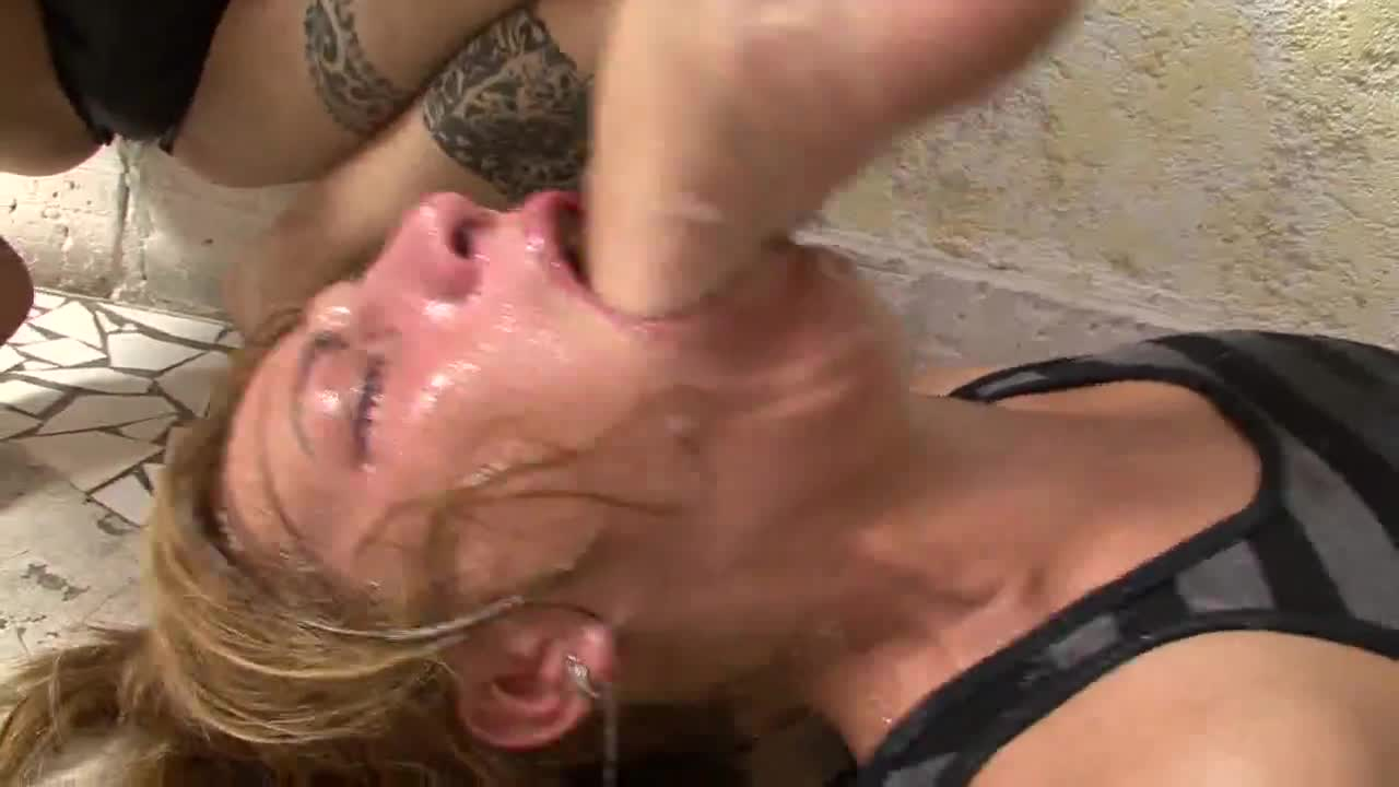 foot gagging porn