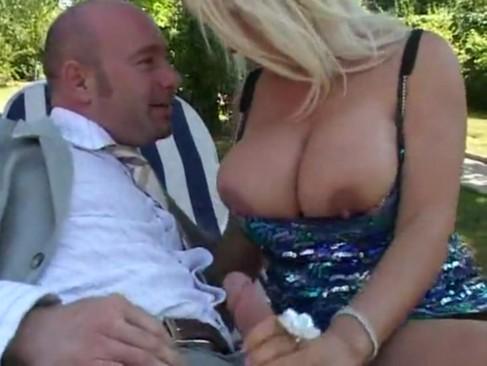 hot sex girls no bra porn