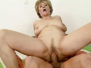 Older black nude ladies