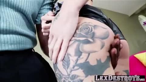Kleio valentien wares collar and gets fucked.
