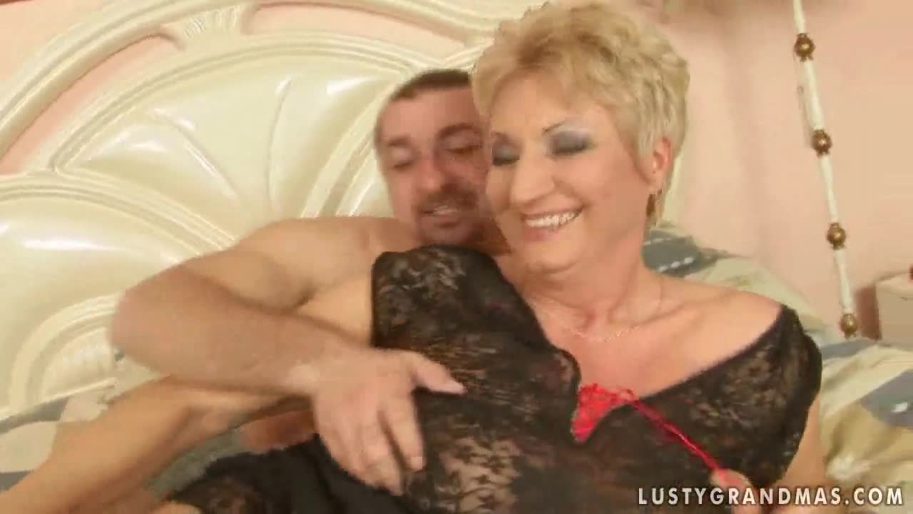 Old lady hot sex