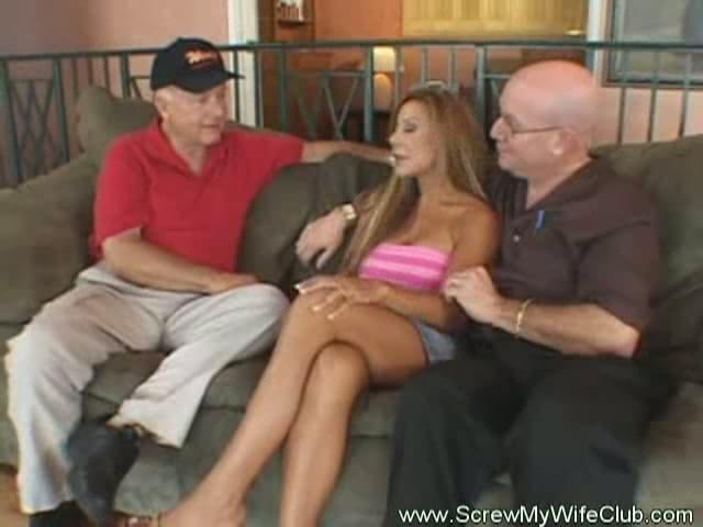 Latina pornstar dee free thumbs