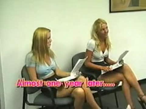 hot teen masturbatingin public