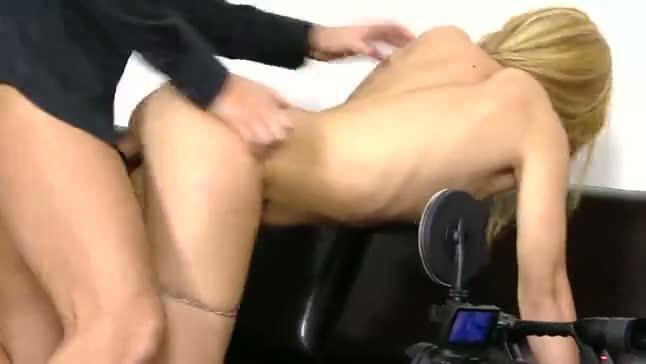 Mujer embarazada follando a tope - Porno Bestia