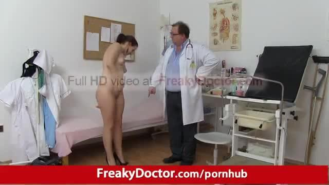 image Chubby brunette tarya king and old gynecologist