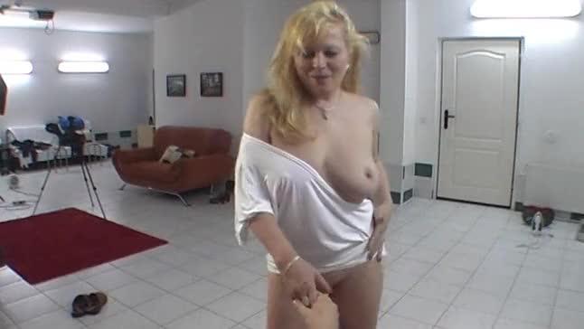 Sania mirza hot in bikini