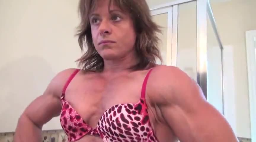 Naked mature muscle pussy