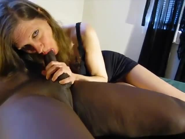 Wife tell husband how mutch she loves adultjoy