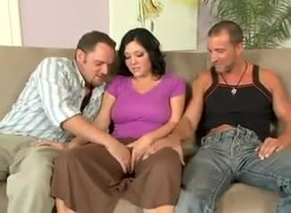 Clarie dames threesome