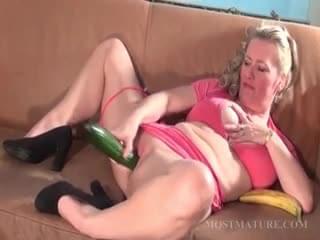 Free deepthroat porn stars