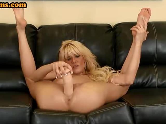 Huge cock blowjobs videos