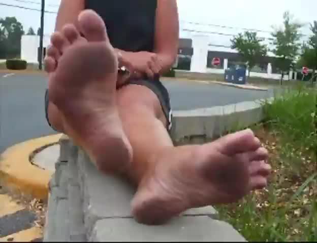 Bare footjob tube