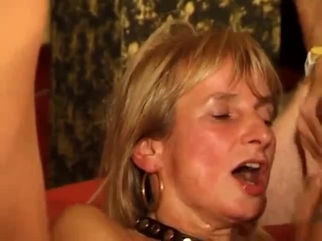 Astonishing curvy Tgirl Kayleigh Coxx is