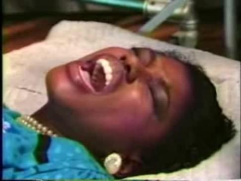 Ebony ayes - hooters (1986)