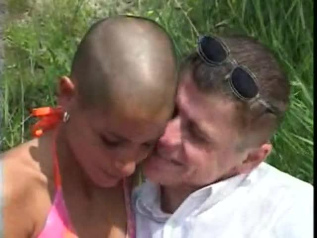 Community head shaved type