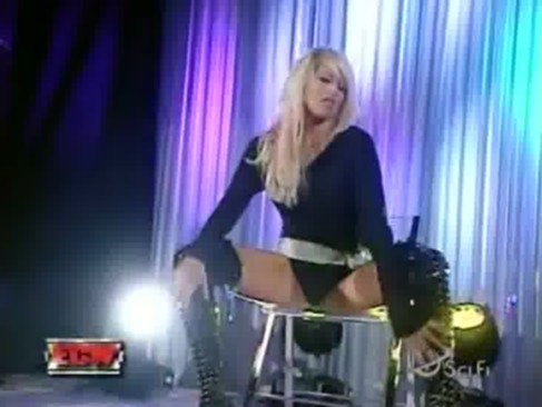 ecw kelly kelly striptease