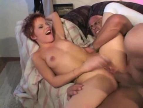 swarthy latina tranny enjoys anal