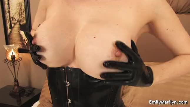 Latex slavegirl