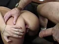 Sexy curvy girls fucking