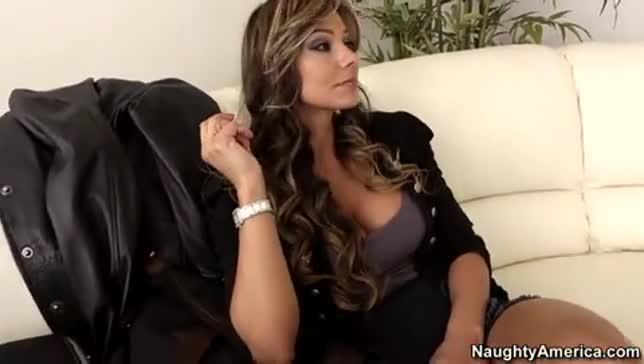 Sexy amuteur latina milfs