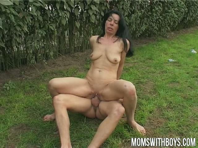 Sexy milfs sex videos