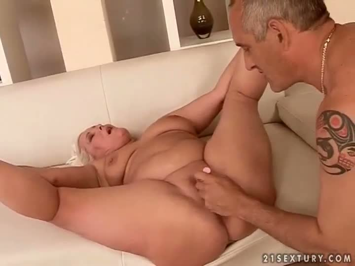 young actress shows hairy video