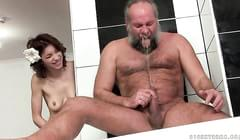 Fat Guy :: 11,294 videos :: ElephantTube