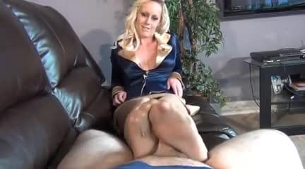 Short woman getting fucked